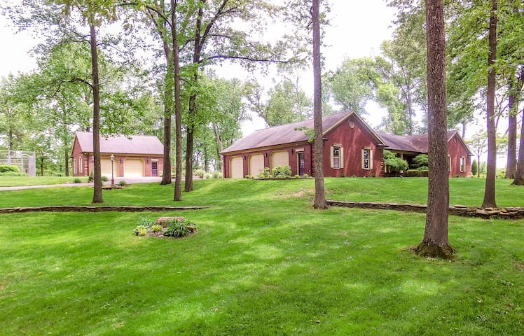 Lovely country setting home with many amenities.