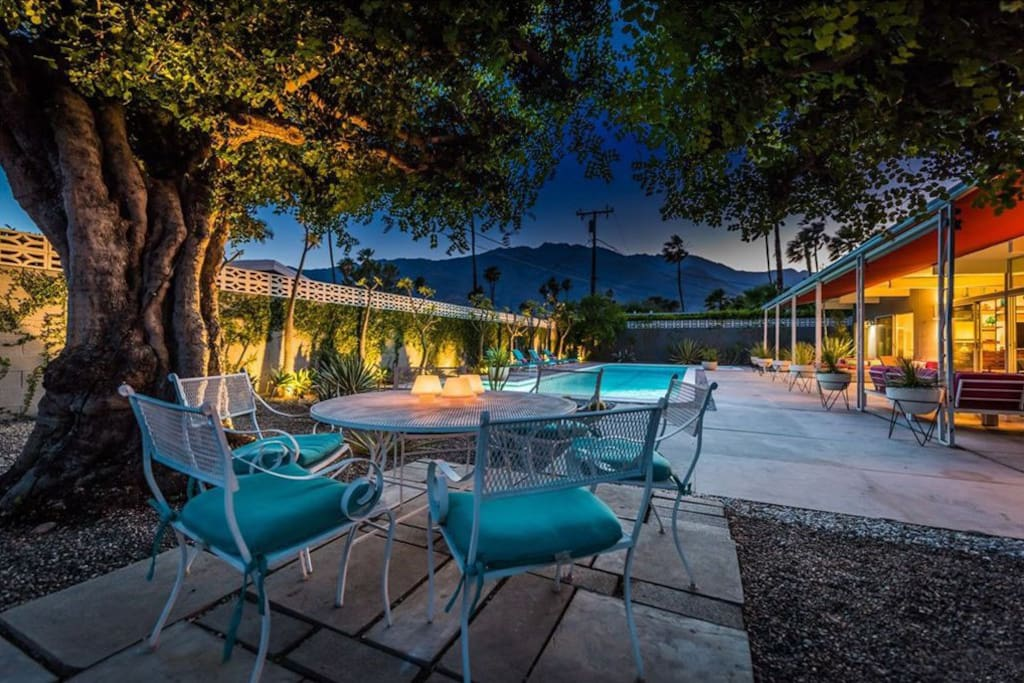 Dine under the majestic carob trees and take in the starry nights. Check out the mountain views from the entire backyard.