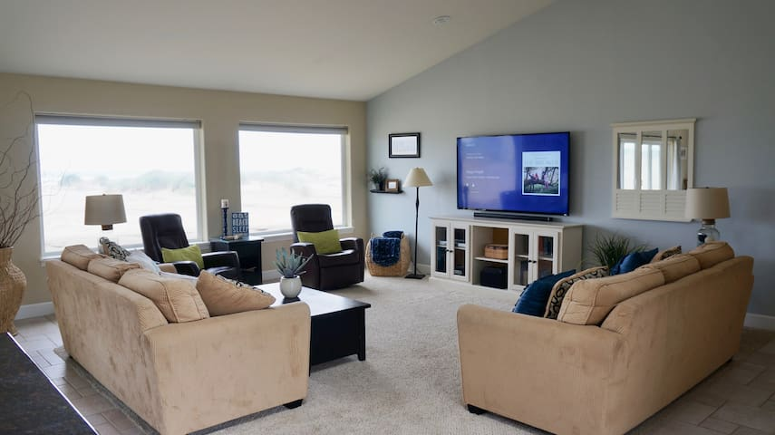 "Great room with 70"" flat screen TV"