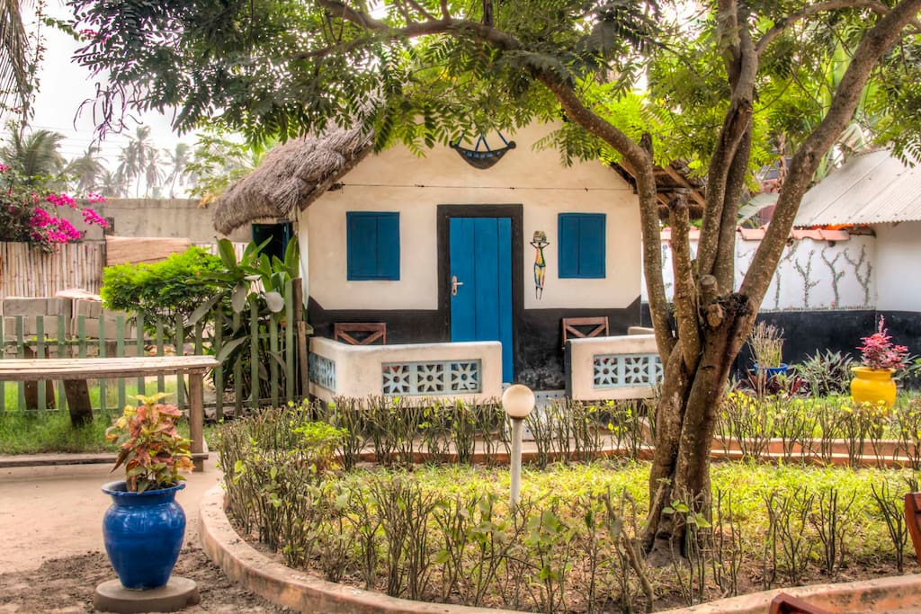 big milly 39 s backyard huts for rent in accra greater accra region