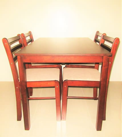 Dining set (4-seater)