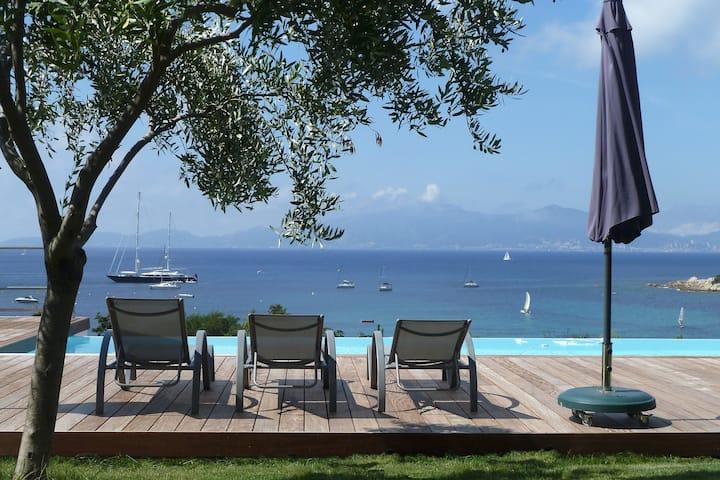 Apetraplus- Villa d'exception, piscine, plage 300m
