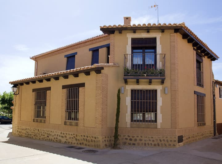 House with 3 bedrooms in Villalpando, with wonderful city view and WiFi