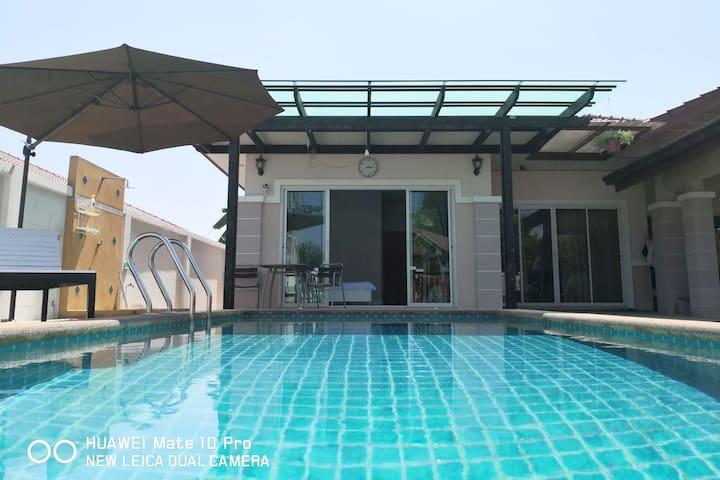The Bliss Pool Villa Pattaya Thailand