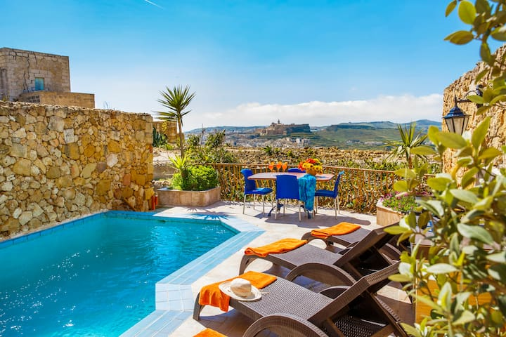 Andrea Farmhouse - private pool & stunning views