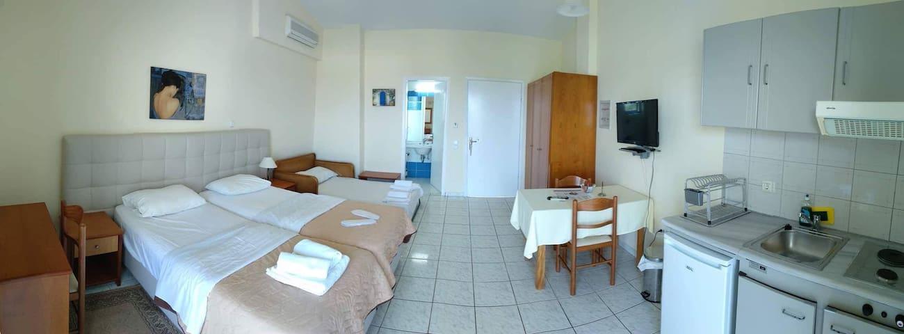 Apartments für 3 Erw. in Kyparissia (Kalo Nero)