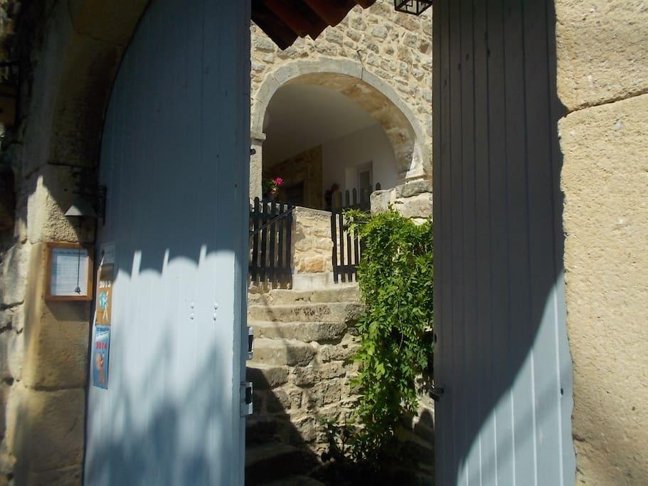 Porte d'entrée de notre maison d'hôtes