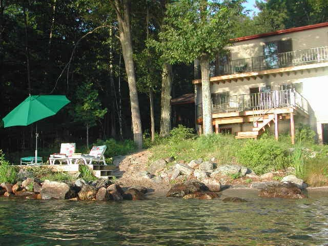Private lake front home on beautiful Lake George!