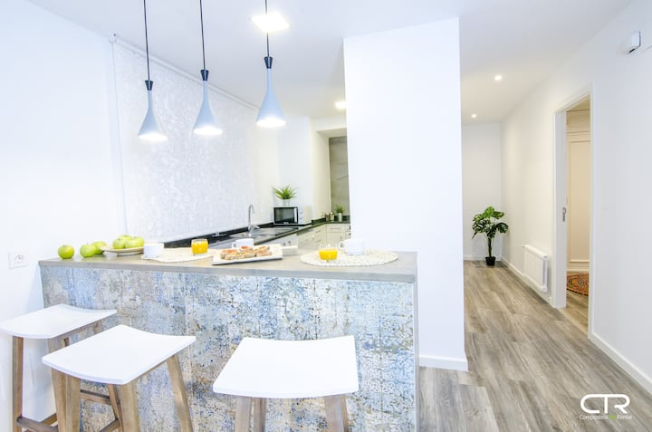 With Parking- Large Apartment in the Center