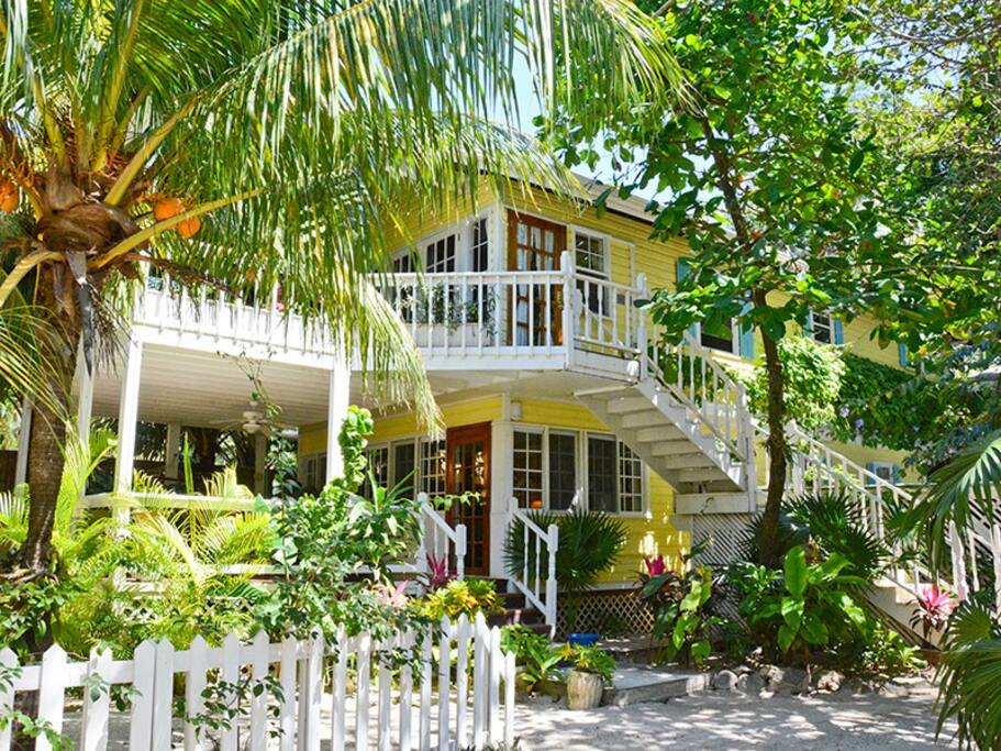 Barefoot dream beach houses for rent in west bay bay for Dream beach house