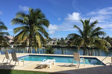 Kings Bay Canal condo w/ ocean view - Freeport - Társasház