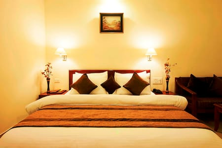 Luxury Room Stay Package with All Meal Inclusive - Gurgaon