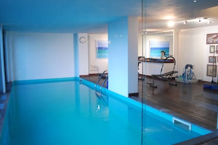 Studio with pool and gym on the hills of Como