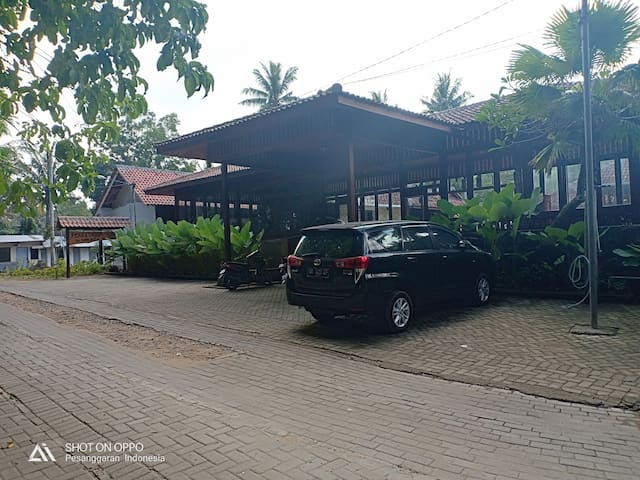 Rumah Mertua Cottage 2 - Red Island Beach Front