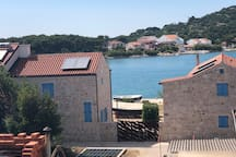 Villa Sophie. Sunny Seaside Apartment 50m from sea