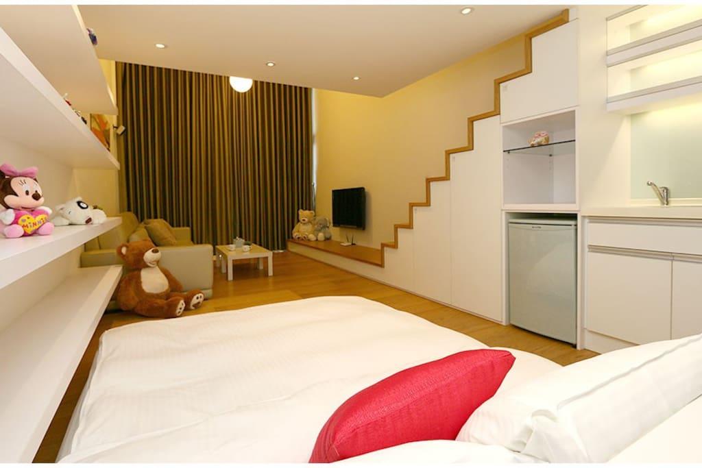 樓下標準雙人床