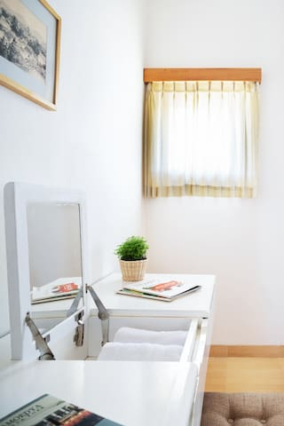 Bedroom 1 (Table)