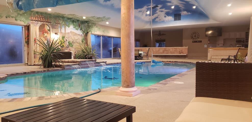 Private Indoor Pool Retreat!? 20 miles from Tahoe!