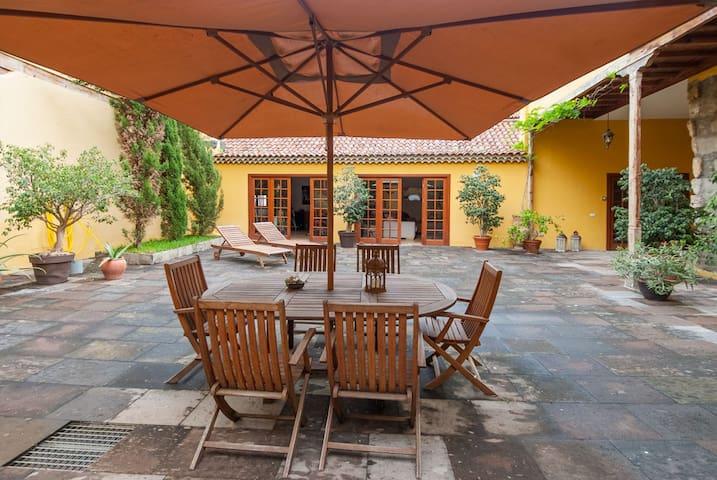 Disfruta de una auténtica Casa Canaria