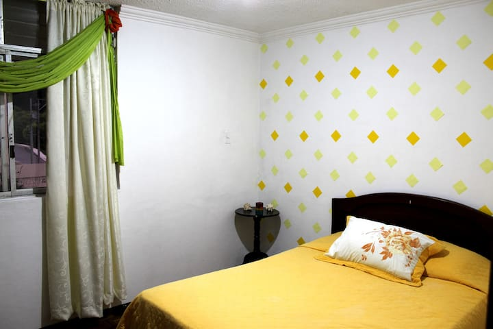 #1 Cozy & comfortable bedroom in center of Loja!