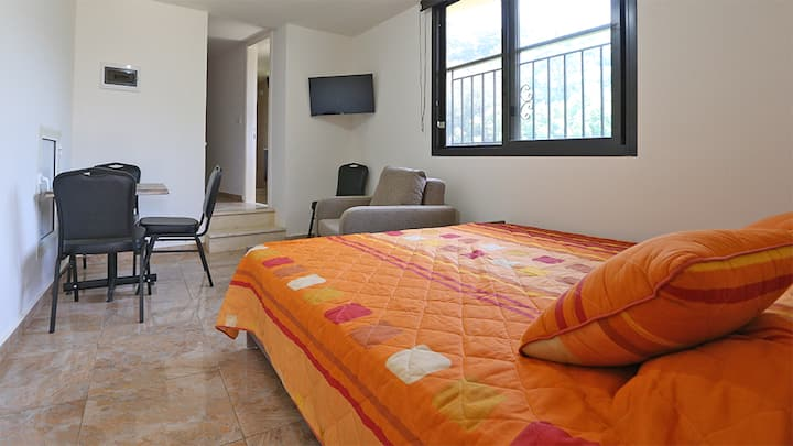 Private chalets at Dream Valley - Sirjbal, Chouf