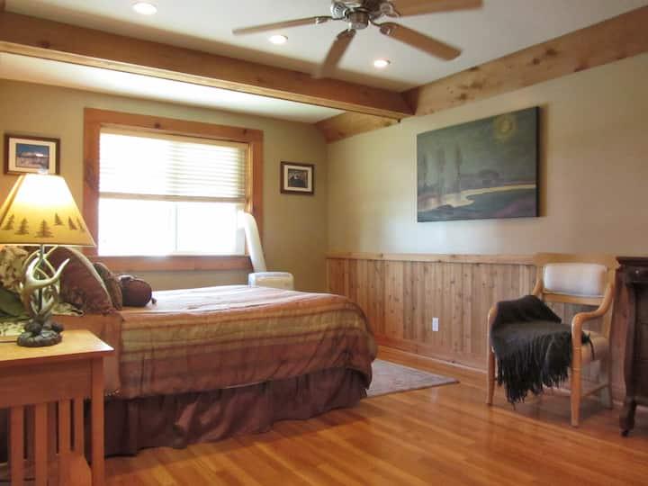 The McCloud Vacation Home on Mt. Shasta Sleeps 10+