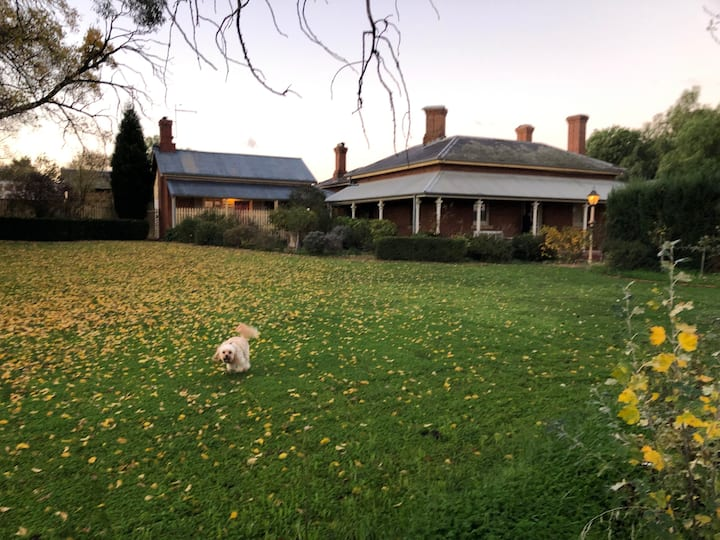 Rangeview Homestead - Luxe Country Charm