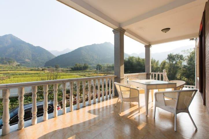 """6个房间可住12人!那山那水那田野那花那牛奶般新鲜空气""""那山间乡宿 东楼"""" - Hangzhou - Casa de camp"""