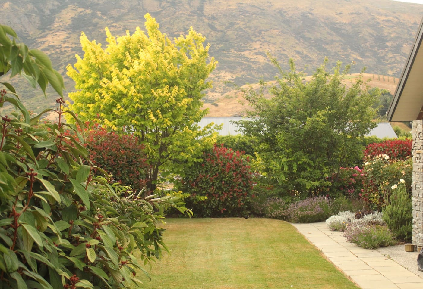 Lovely garden setting.