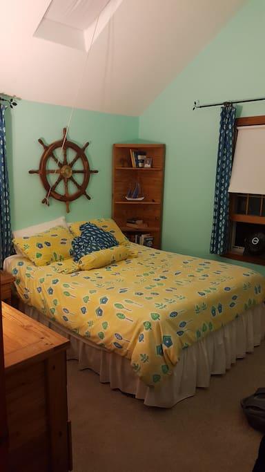 Front Cottage Bedroom1