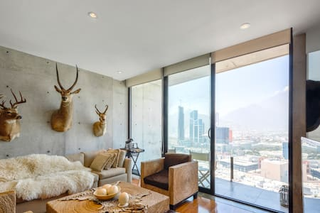 Safari Loft Apartment with a great view