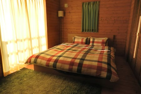 Wooden House☆B&B 希望会是愉快的旅行☆包含早餐☆ - Kasugai - House
