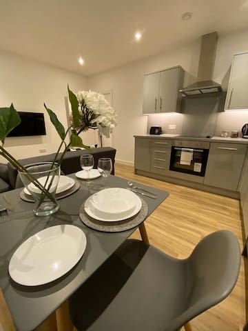 Luxury, Spacious Apartment close to North Manchester Hospital