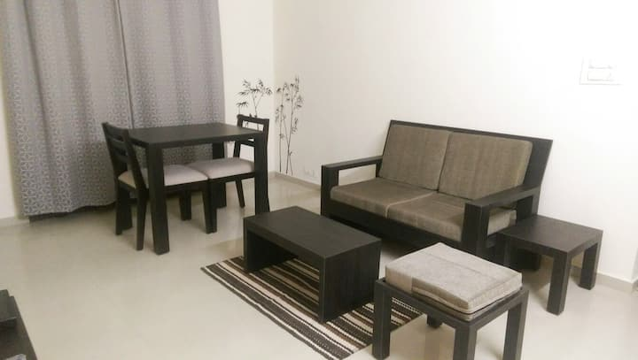 Bright 1bhk - Wifi-Tranquil Serviced Apartments