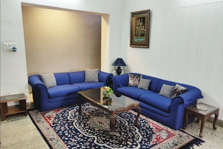 DIVINE HOMESTAY 19-Albert Road. near Mall Road