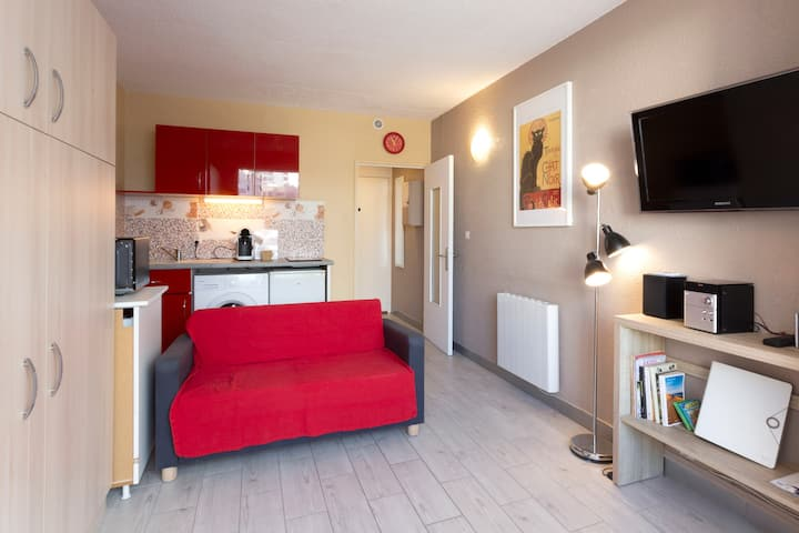 studio lumineux SO 3 mn plage - centre ville  WIFI
