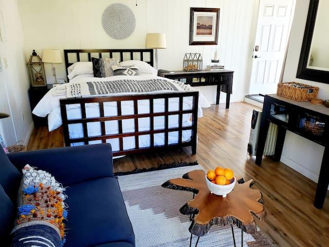 Guest House in Historic Kensington Neighborhood