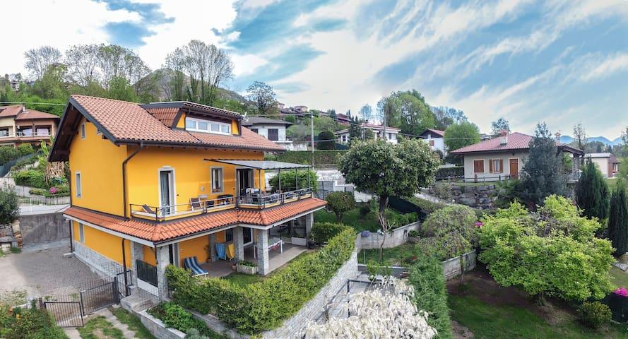 3-ZiFerienwohnung mit privater Terrasse und Garten - Vignone - Villa