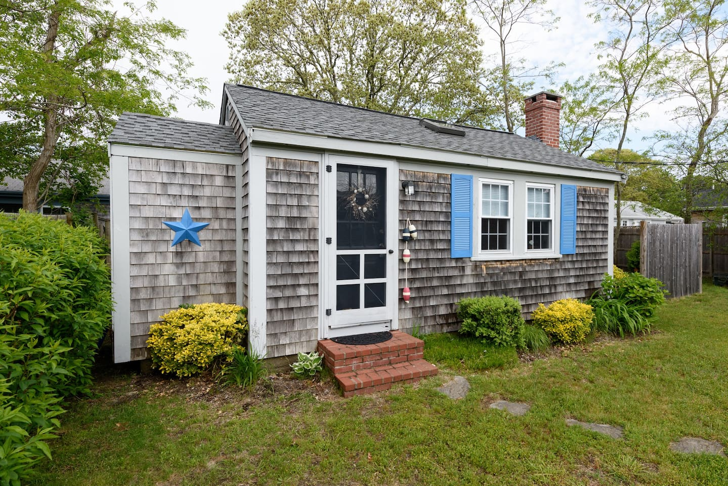 cozy cape cod cottage walk to beach cottages for rent in