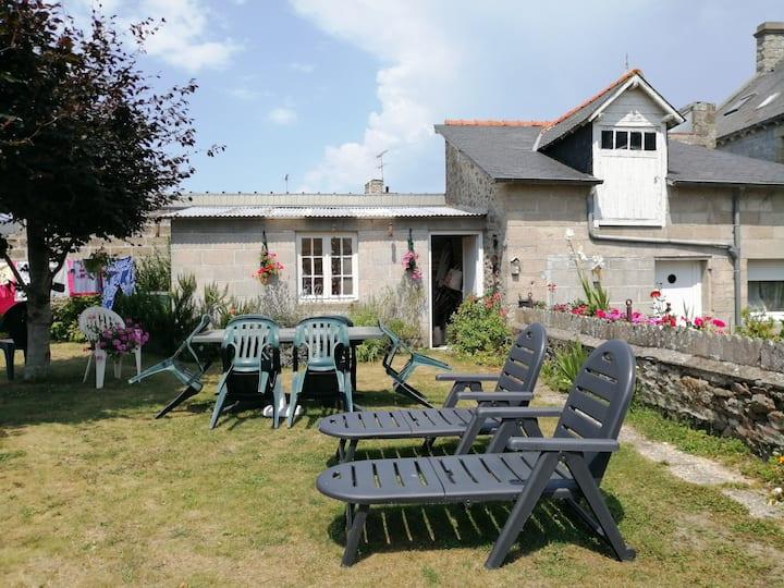 Charmant 2P avec jardin proche Dinard & Saint Malo