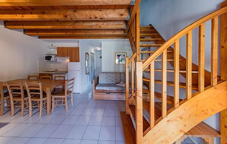 Appartement Duplex   Accès Sauna + Piscine Semi-Couverte