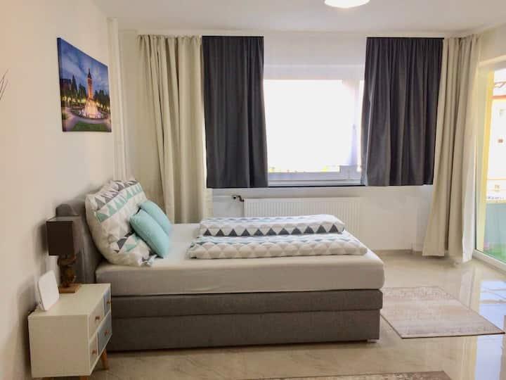 Augustaanlage zentrales Apartment mit Balkon