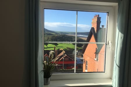 Stylish Beach View Apartment in Village - Woolacombe - Lejlighed