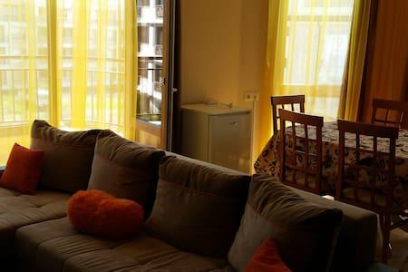 Трёхкомнатная квартира с видом на море. - Sveti Vlas - Квартира