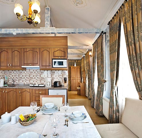 Sultanahmet - Deluxe 4 BR Villa