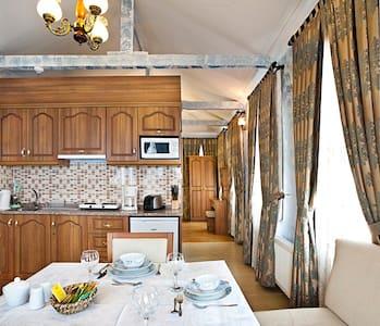 Sultanahmet - Deluxe 4 BR Villa - Istanbul