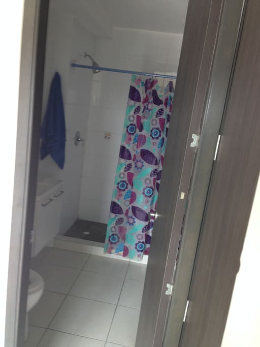 Complete private bathroom with direct door from the dorm