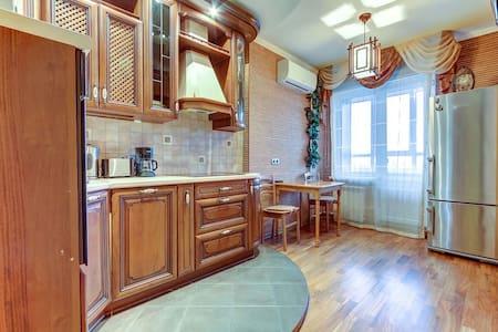 Красивая видовая квартира с сауной - Sankt-Peterburg