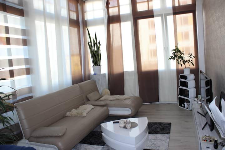 Gemütlich-moderne Wohnung in der KTV