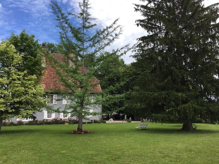 """Charme  de """"La Grande Maison"""" Saint-Cyr ARBOIS"""